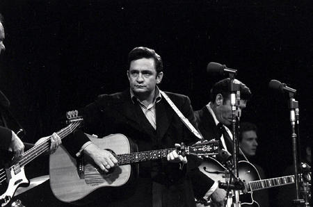 bw guitar high_res johnny_cash photo suit // 2101x1391 // 357.9KB