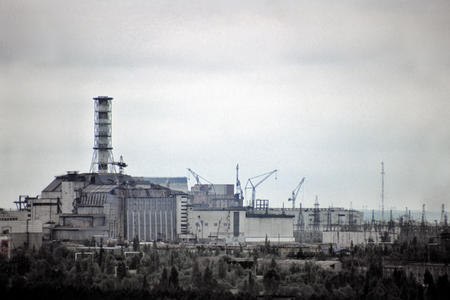 chernobyl cranes high_res photo russia // 3543x2362 // 2.2MB