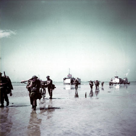 beach britain d-day helmet high_res photo wwii // 2480x2480 // 4.1MB