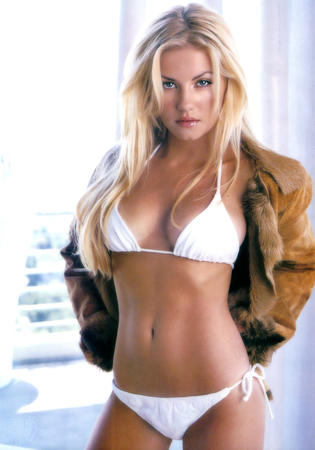 bikini blonde blue_eyes elisha_cuthbert jacket photo // 1120x1600 // 288.3KB