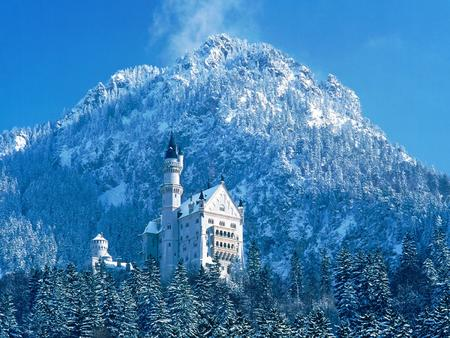 castle germany high_res mountain photo snow // 1600x1200 // 534.1KB