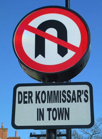 humor kommissar sign u-turn // 361x493 // 40.9KB