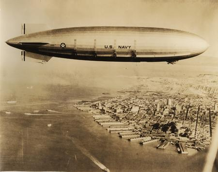 america blimp bw high_res navy photo // 2792x2204 // 2.6MB