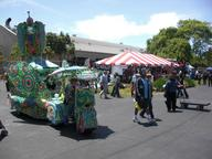 2009 maker_faire strange_car // 3072x2304 // 1.7MB