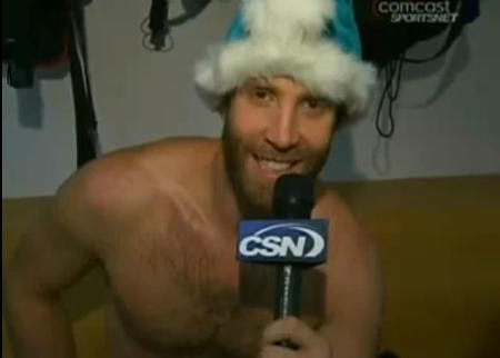hockey humor joe_thornton microphone san_jose santa sharks // 482x345 // 17.9KB