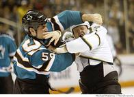 brad_staubitz fight hockey home_jersey san_jose sharks // 580x418 // 38.6KB