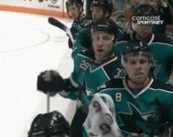 animated chirping hockey home_jersey joe_pavelski ryan_clowe san_jose sharks // 208x164 // 1.8MB