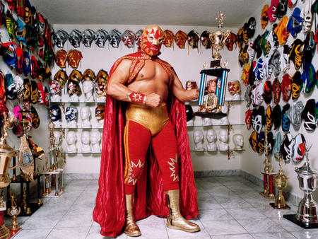 boots cape luchador mask photo trophy // 800x600 // 173.2KB