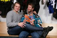book douglas_murray hockey home_jersey joe_thornton san_jose sharks // 604x402 // 52.3KB