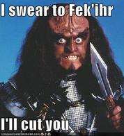 gowron ill_cut_you klingon knife macro star_trek // 397x438 // 38.9KB