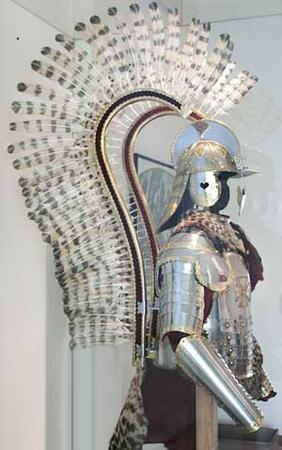 armor helmet hussar photo poland wings // 300x479 // 21.9KB