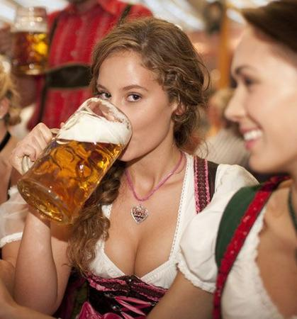 beer brown_eyes cleavage oktoberfest photo // 500x537 // 44.4KB