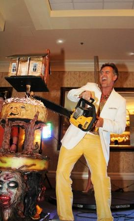 bruce_campbell cake chainsaw photo // 500x823 // 67.2KB