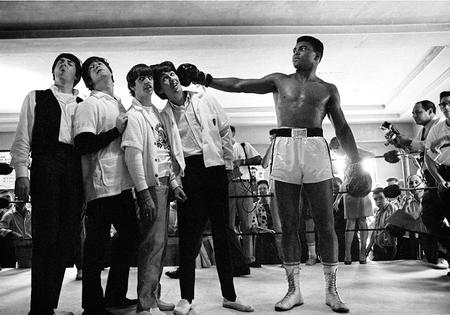 bw humor mohammed_ali photo punch the_beatles // 859x601 // 159.1KB