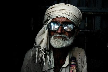 beard glasses photo turban // 500x333 // 37.1KB