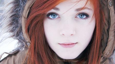 blue_eyes hood photo redhead // 1920x1080 // 404.1KB
