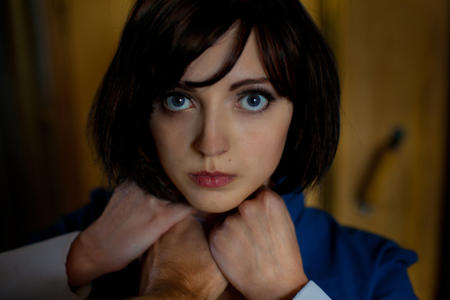 bioshock blue_eyes brunette elizabeth photo // 750x500 // 197.8KB