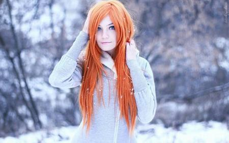blue_eyes jacket photo redhead snow // 920x575 // 55.7KB