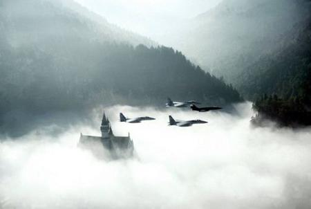castle fighter_jet fog photo scenery // 500x335 // 16.7KB