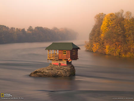 fog house kayak lake photo scenery // 1600x1200 // 1.1MB