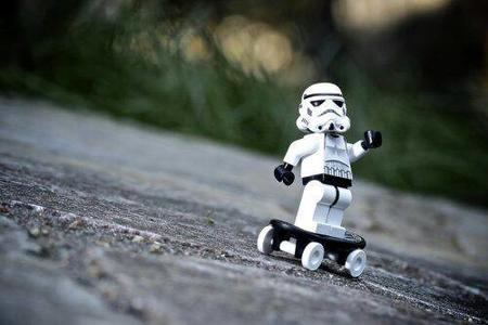lego photo skateboard star_wars stormtrooper // 500x333 // 22.4KB