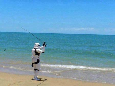 beach fishing photo star_wars stormtrooper // 500x375 // 21.2KB