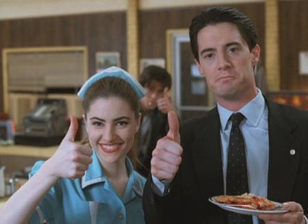 reaction screenshot thumbs_up twin_peaks // 1020x742 // 131.3KB