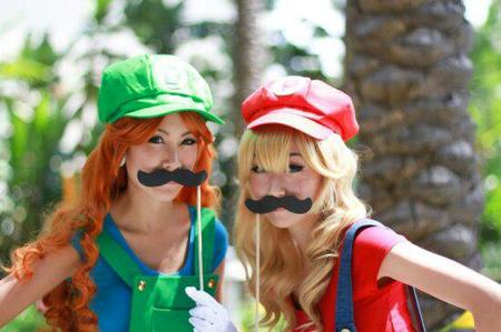 blonde cospla gloves hat luigi mario mustache photo redhead // 550x366 // 33.1KB