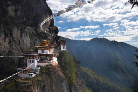 cliff monastery photo scenery // 920x611 // 77.0KB
