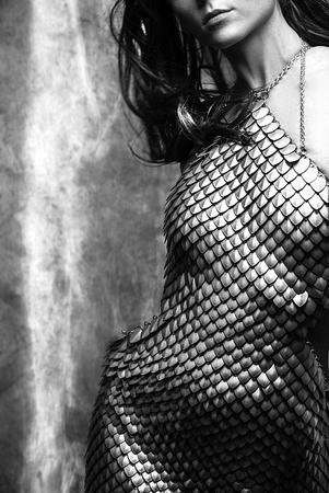 brunette bw dress photo scalemail // 500x748 // 109.3KB