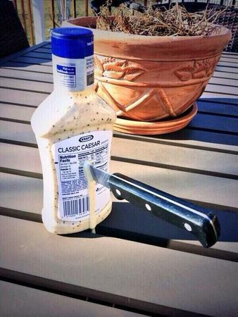 caesar humor knife photo salad_dressing // 600x800 // 137.7KB