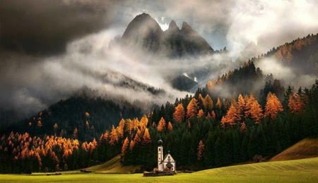 autumn church clouds forest mountain photo scenery // 920x532 // 83.1KB