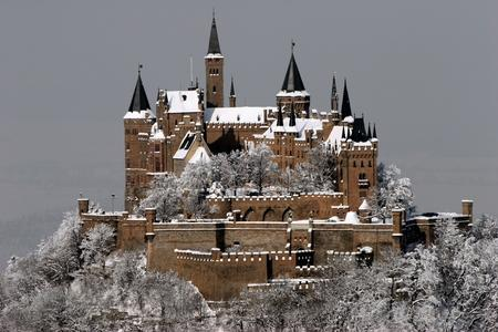 castle photo scenery snow // 1200x800 // 392.7KB