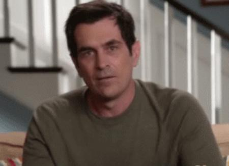 animated modern_family phil reaction thumbs_up // 250x181 // 1.7MB