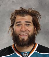 awkward beard brent_burns burns eyebrows hockey marleau patrick_marleau san_jose sharks what_has_science_done // 600x690 // 59.1KB