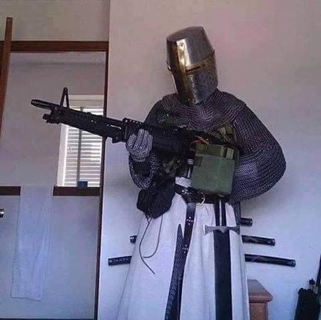 armor gun helmet knight machine-gun maille photo templar // 480x479 // 43.0KB