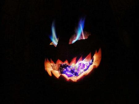 fire jack-o-lantern photo pumpkin // 600x449 // 15.9KB