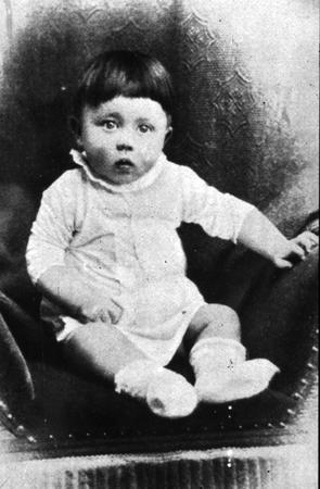 baby bw germany high_res hitler photo political // 4114x6279 // 4.6MB