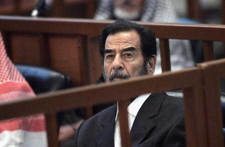 beard high_res iraq photo political saddam_hussein suit // 3000x1960 // 700.1KB