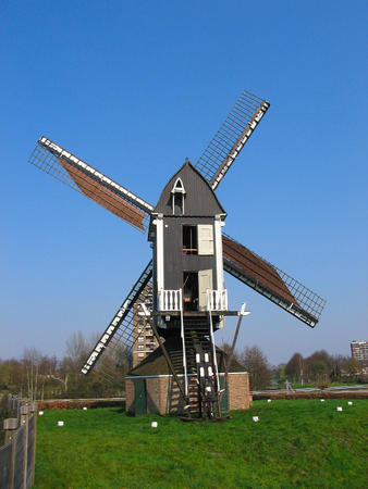 high_res photo windmill // 1200x1600 // 367.2KB